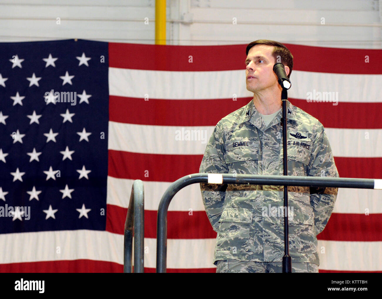 U.S. Air Force Col. Greg A. Semmel addresses the 174th Fighter Wing members as the newly selected 174th Fighter - Stock Image