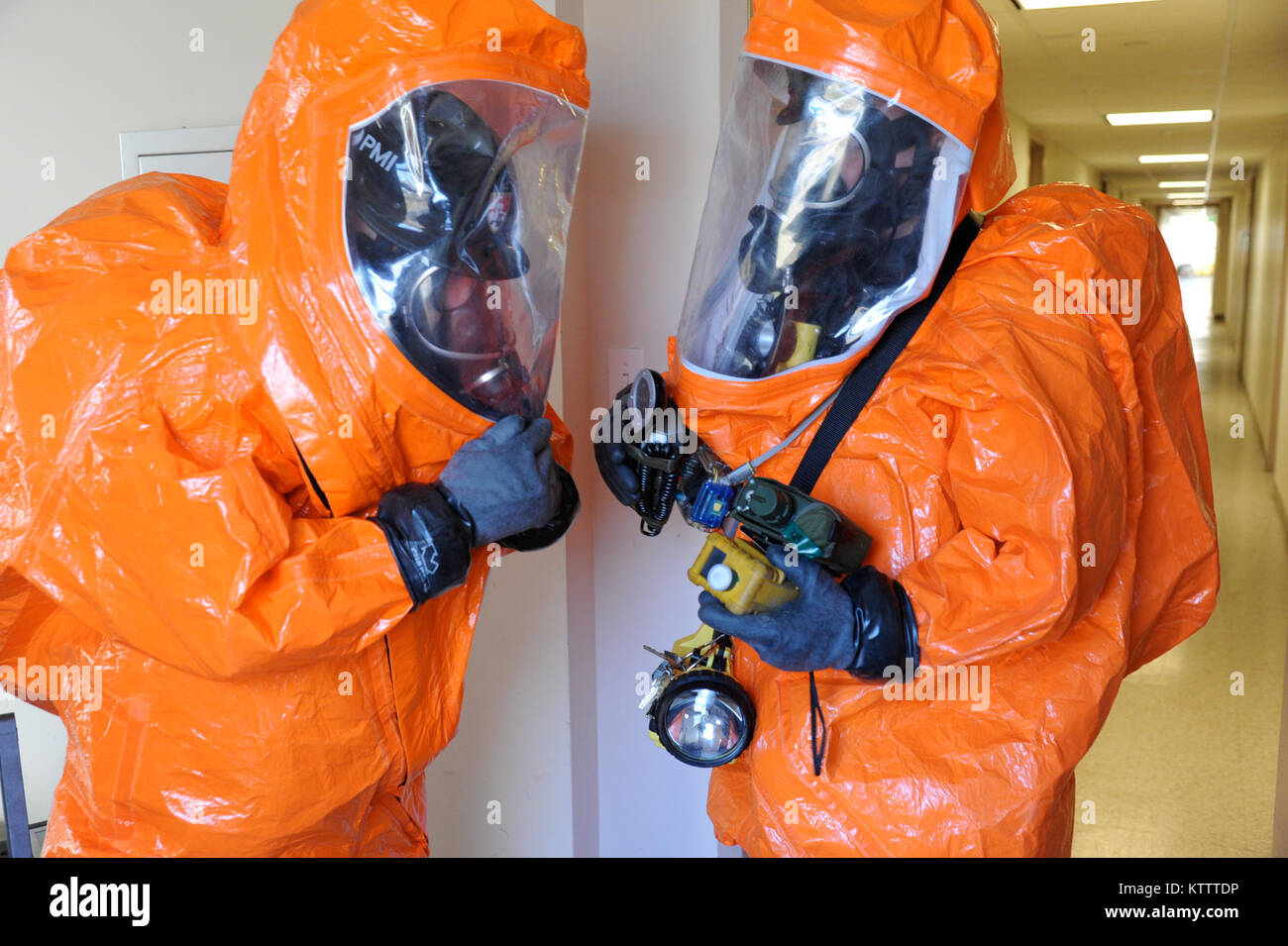 BROOKLYN, NY - 24 Civil Support Team (CST) members conduct training by identifying agents and substances, assessing - Stock Image
