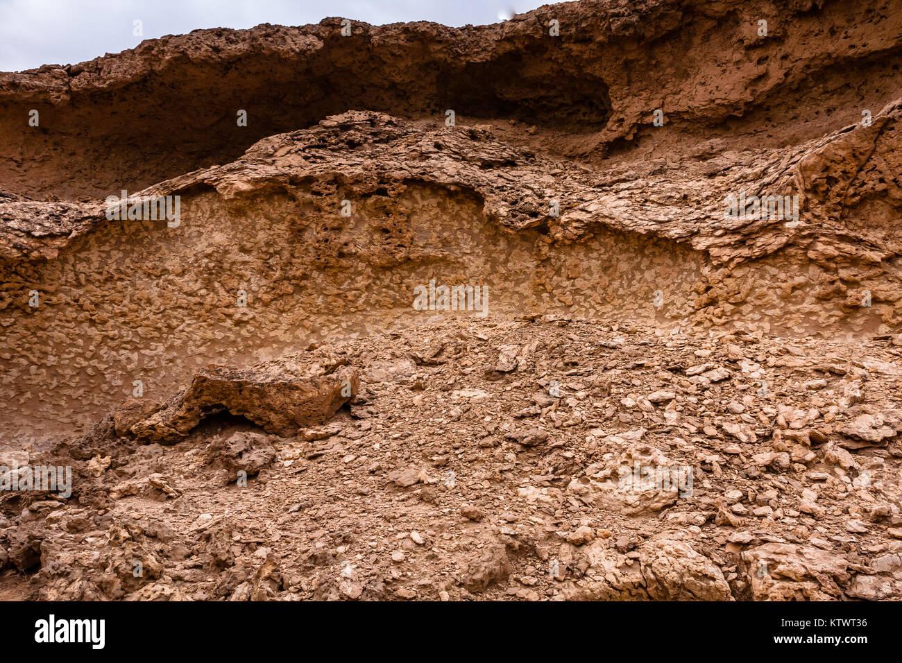 Typical limestone denudation in the desert near Riyadh, Saudi Arabia Stock Photo