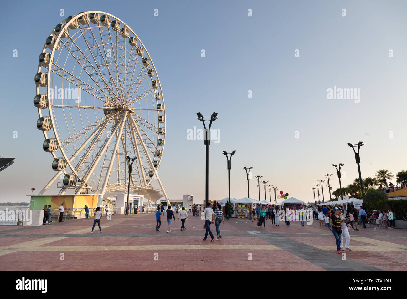 Guayaquil, Ecuador - La Perla, the Guayaquil ferris wheel on the waterfront or Malecon, Guayaquil, Ecuador South Stock Photo