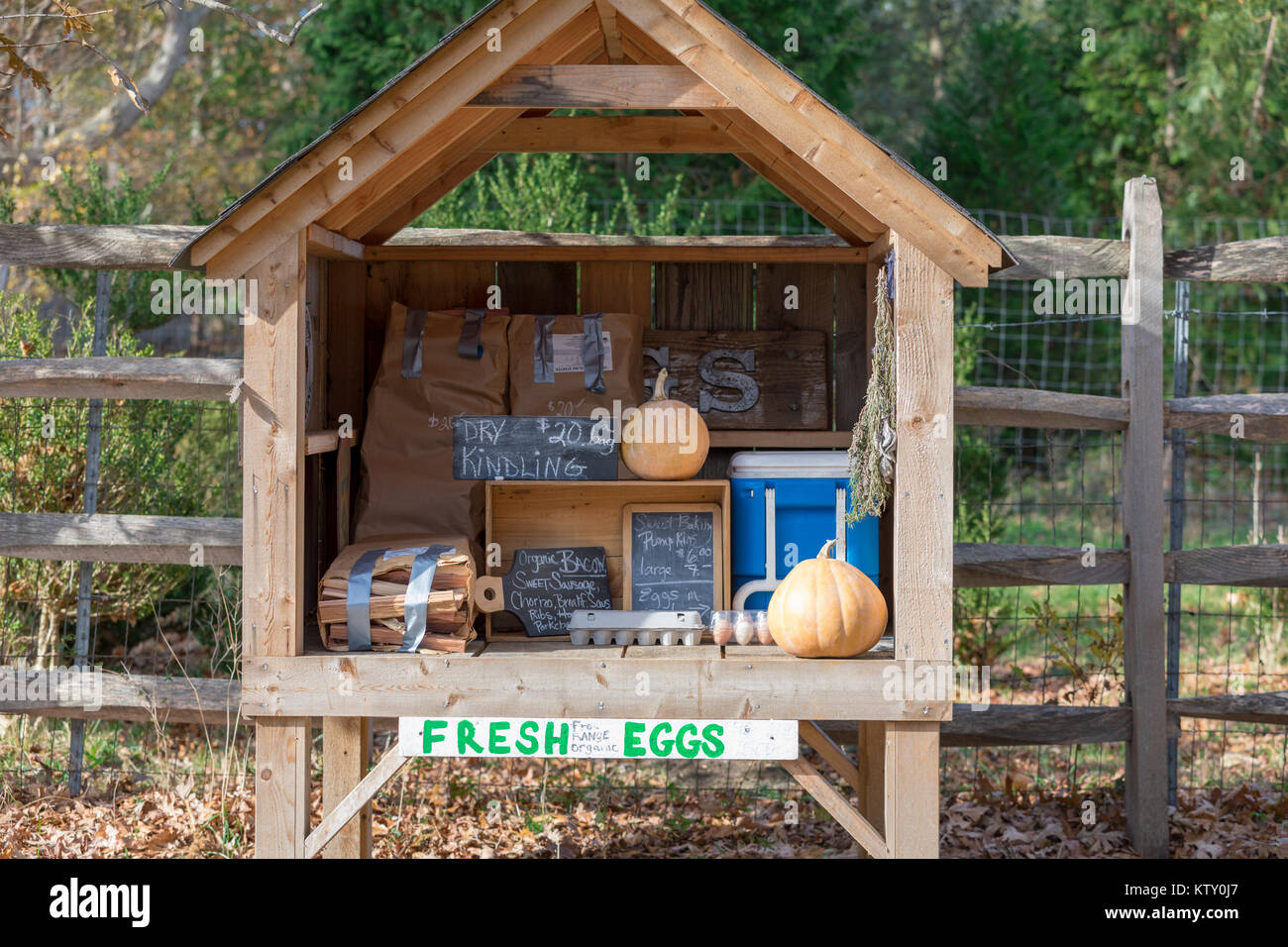 small road side farm stand in east hampton, ny - Stock Image