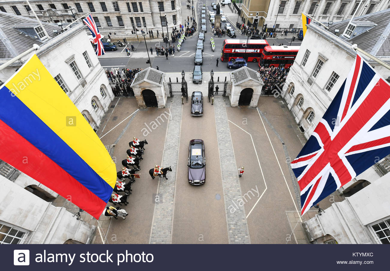 Pictured is a view on to the Tilt Yard of Horseguards as the vehicle procession carrying Her Majesty The Queen and - Stock Image