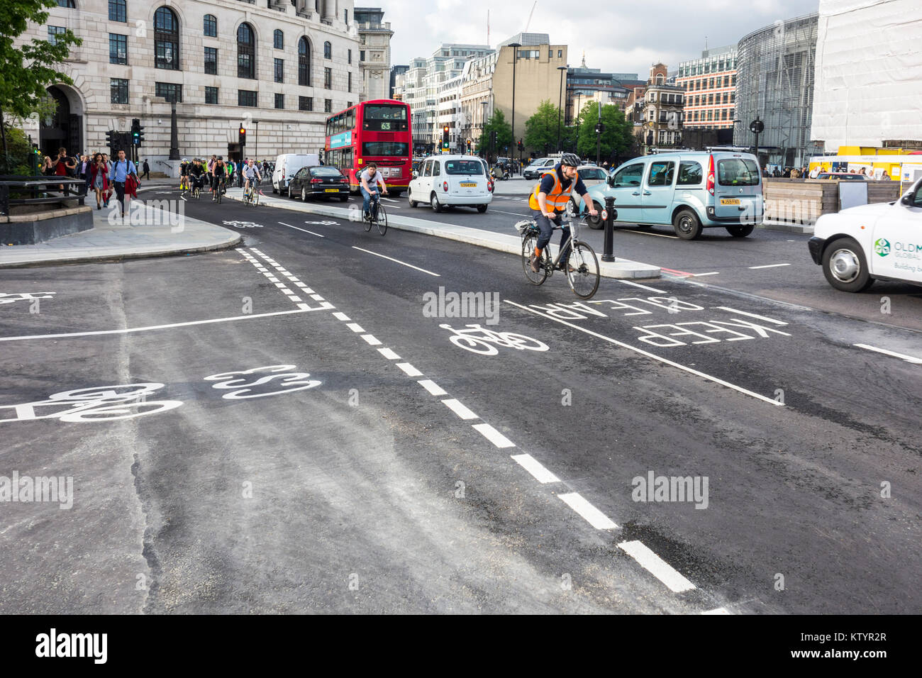 North-South Cycle Superhighway on Blackfriars Bridge, London, UK - Stock Image
