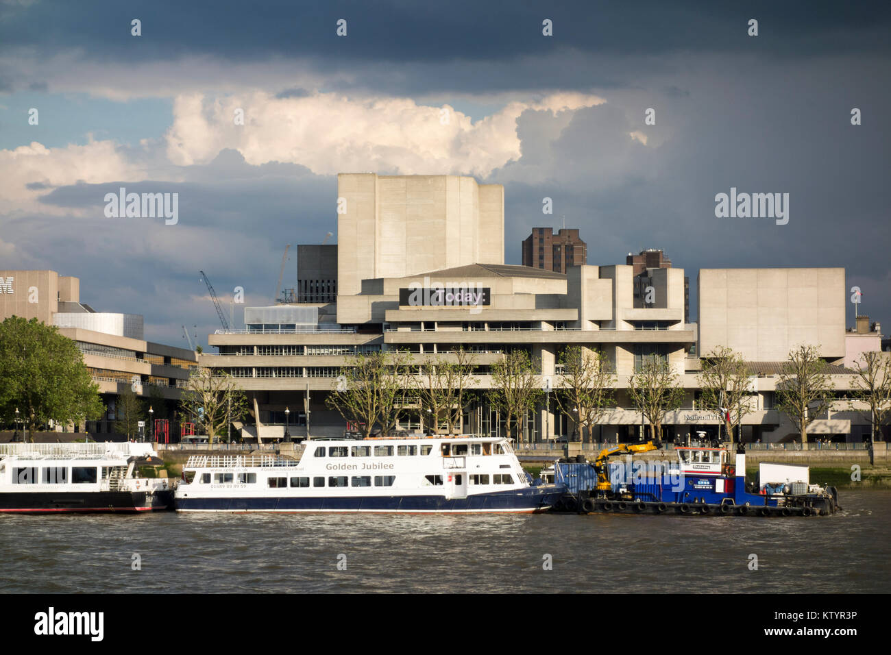Brutalist architecture London: The Royal National Theatre brutalist / brutalism building by Denys Lasdun. Southbank, - Stock Image