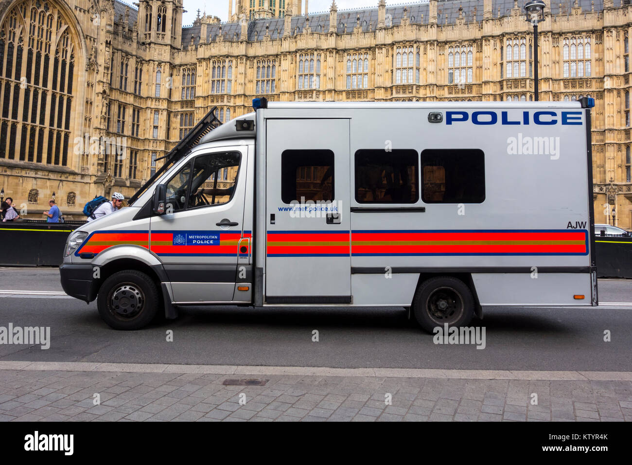 Metropolitan Police van outside Palace of Westminster / Houses of Parliament, London, UK - Stock Image