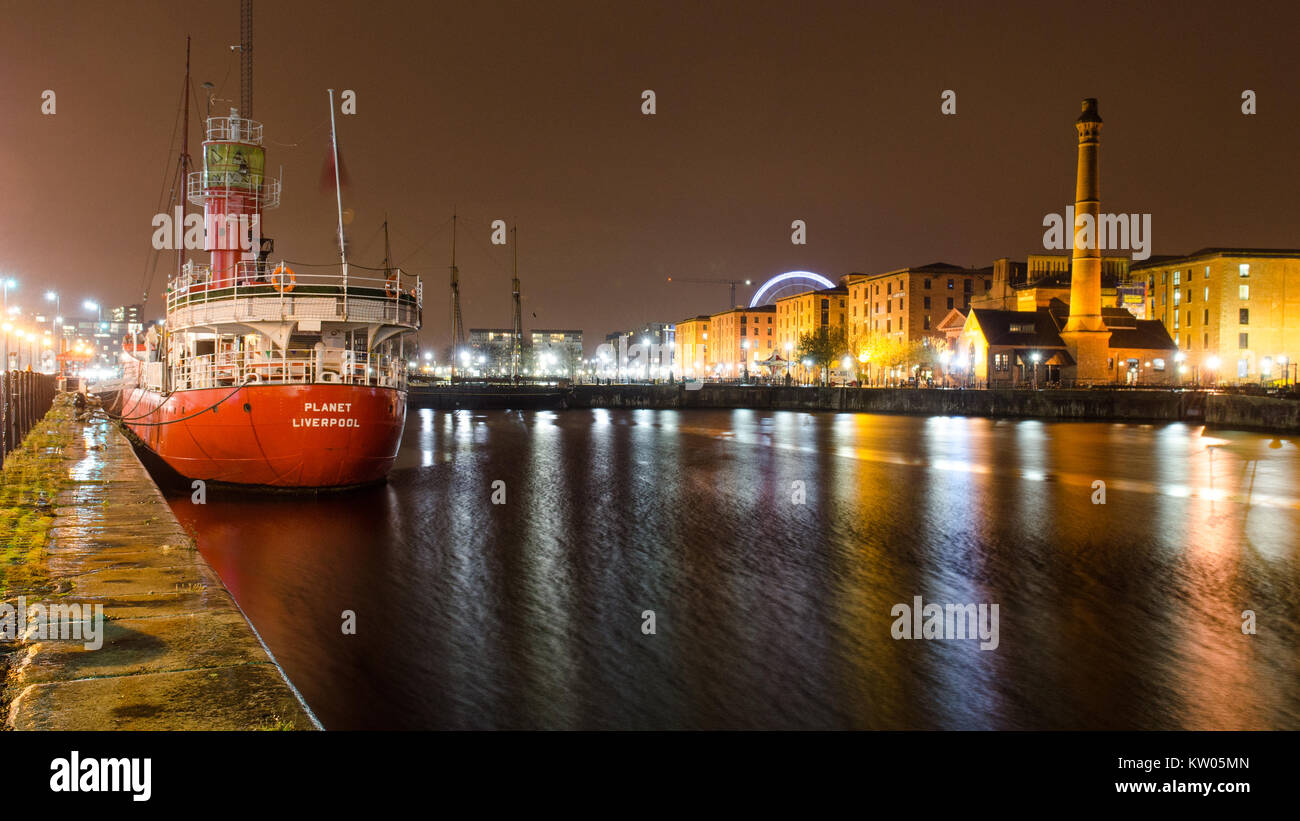 Liverpool, England, UK - November 4, 2014: The pump house and warehouses of the historic Albert Dock complex are - Stock Image