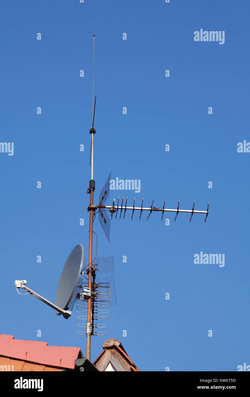 Satellite Bowls Stock Photos & Satellite Bowls Stock Images - Alamy