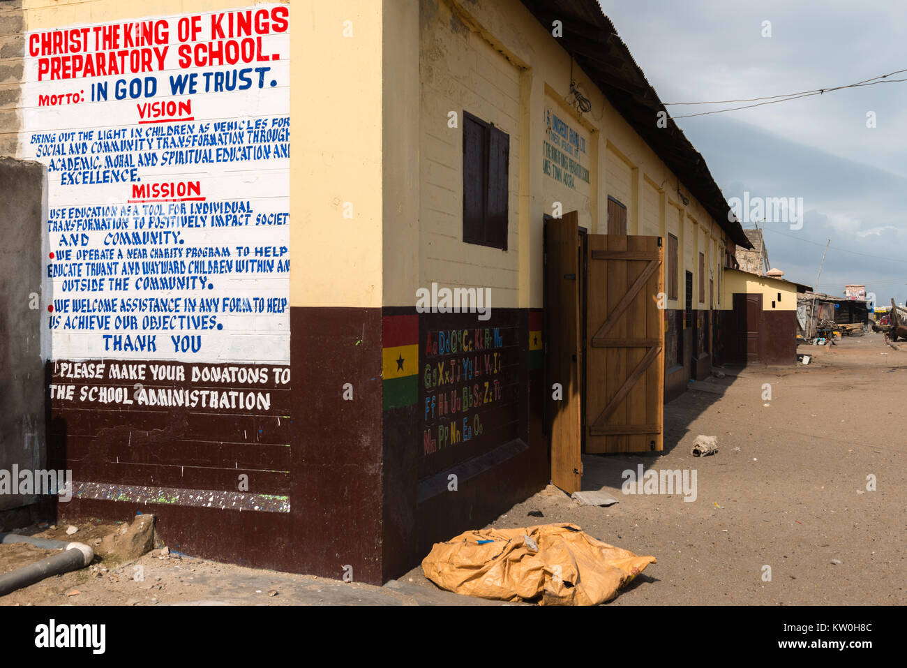 'Christ the King of Kings School' in Jamestown Fishing Village, Jamestown, Accra, Ghana - Stock Image
