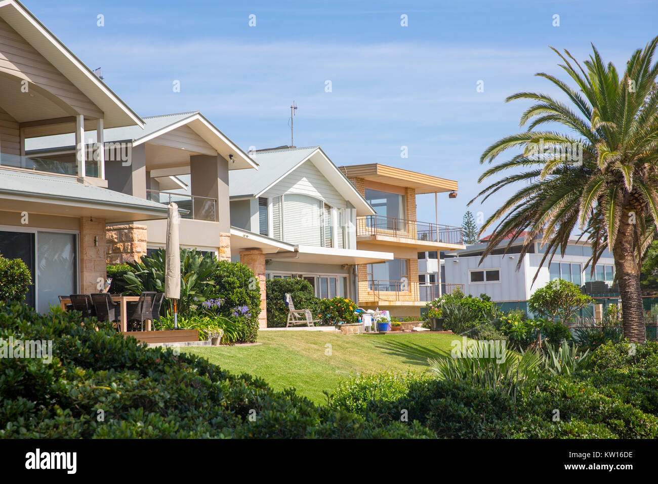 Luxury Homes Real Estate In Collaroy Overlooking The Ocean And The  Beach,Sydney,Australia