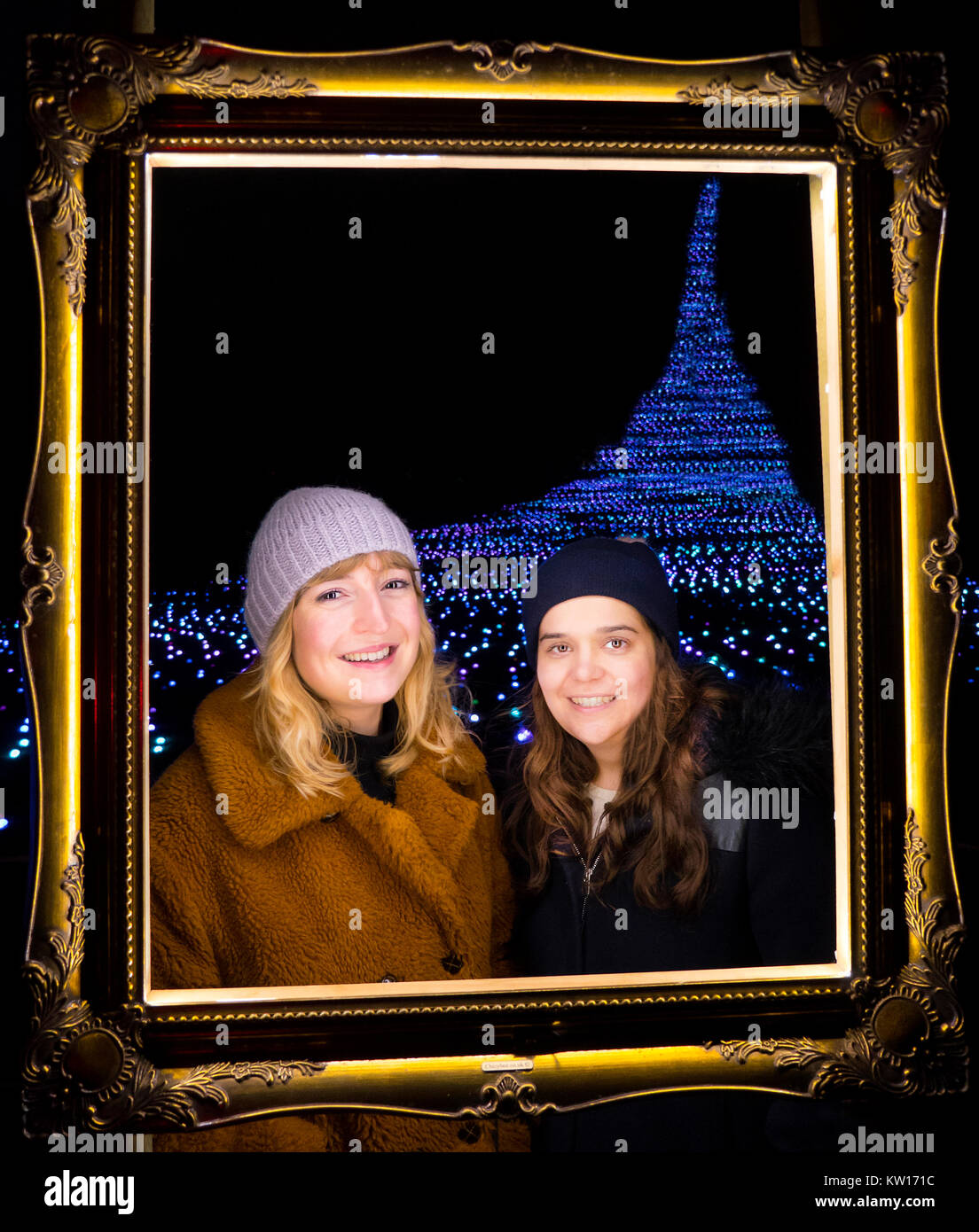 Young Women at Blenheim Palace light trail 2017 - Stock Image