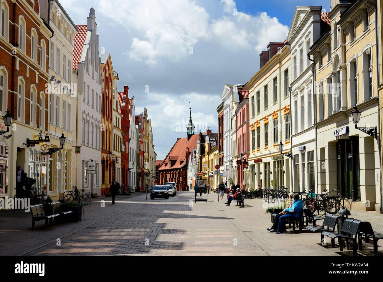 Wismar, L?bsche street with holy mind church, Lübsche Strasse mit Heiligen Geist Kirche - Stock Image