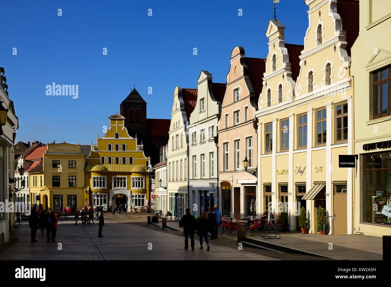 Wismar, house gable in Kr?merstrasse, Hausgiebel in der Krämerstrasse - Stock Image