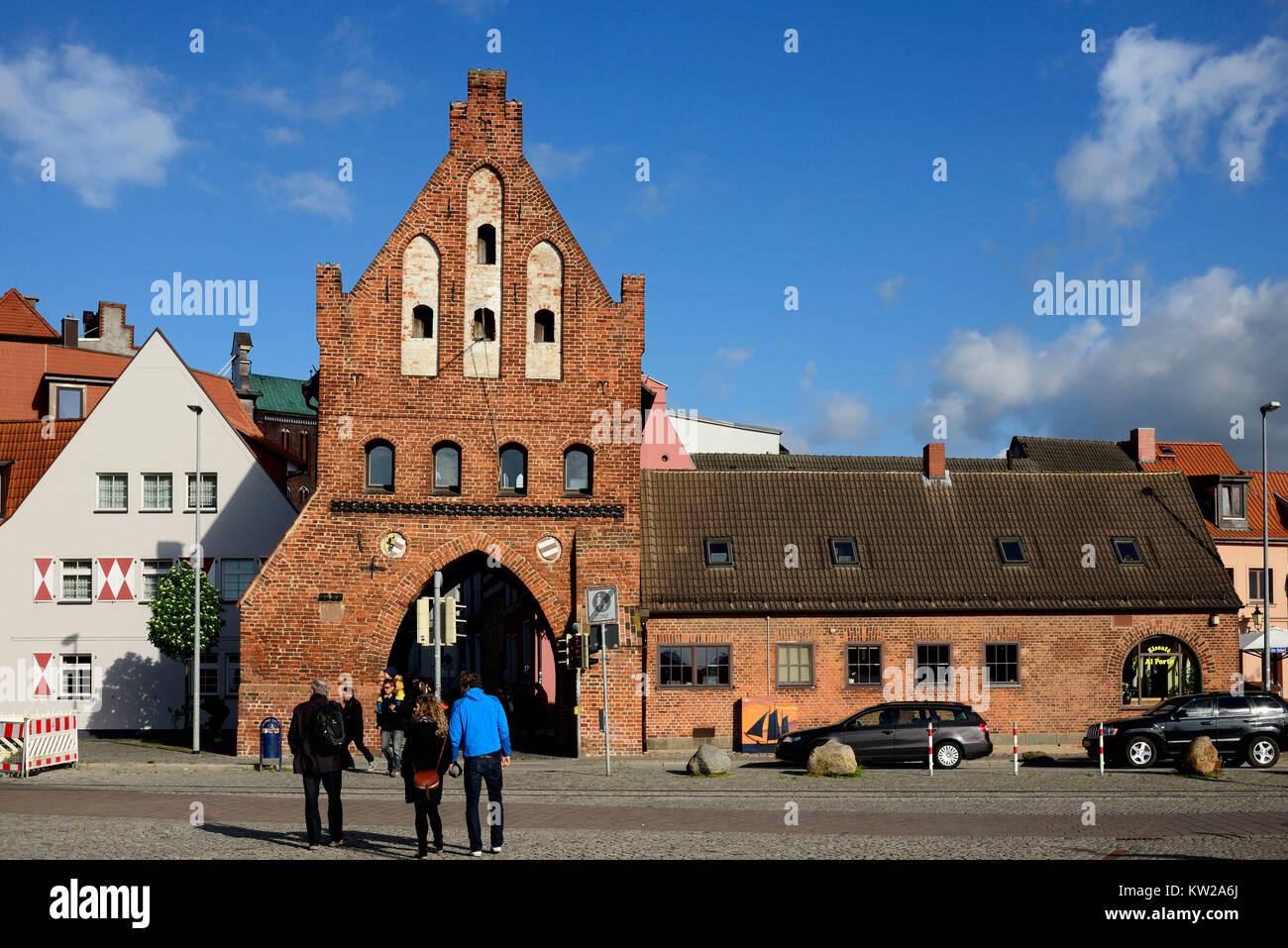 Wismar, water gate in the old harbour, Wassertor am Alten Hafen - Stock Image