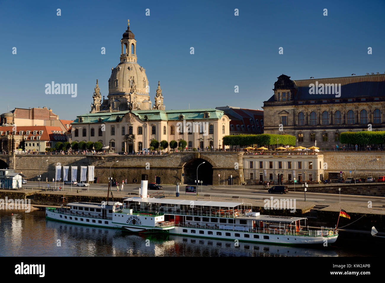 Dresden, terrace shore and Br?hlsche terrace with Church of Our Lady , Terrassenufer und Brühlsche Terrasse - Stock Image