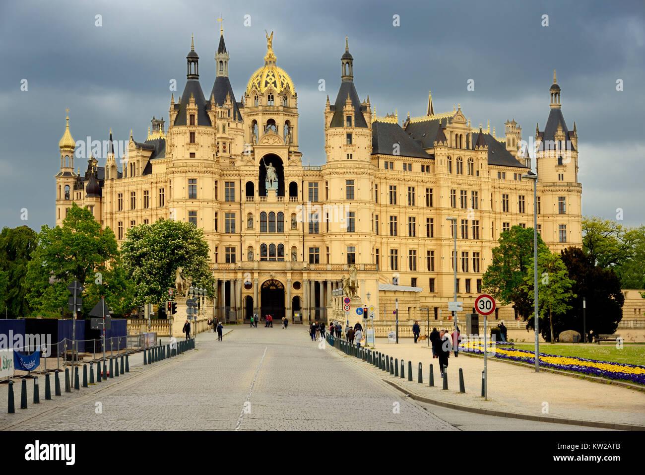Schweriner castle, castle facade in the main access, Schweriner Schloss, Schlossfassade am Hauptzugang - Stock Image