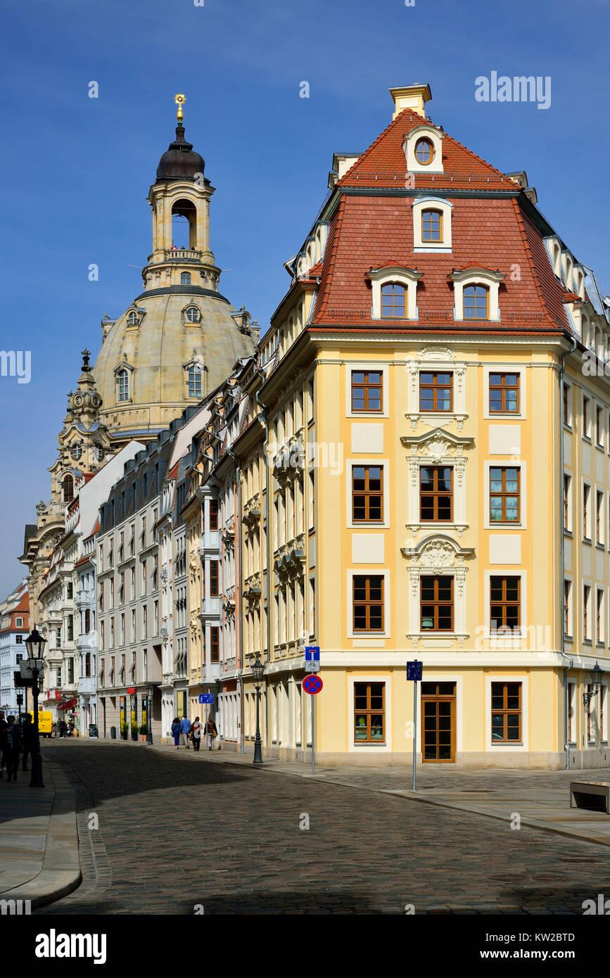 Dresden, new-built Rampische street with Church of Our Lady, Neuerbaute Rampische Strasse mit Frauenkirche - Stock Image