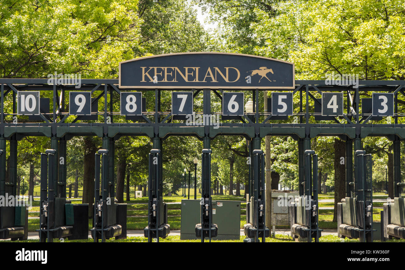 Lexington, Kentucky, USA - May 27, 2015: Starting gate at the world renowned Keeneland Thoroughbred Racing Track - Stock Image
