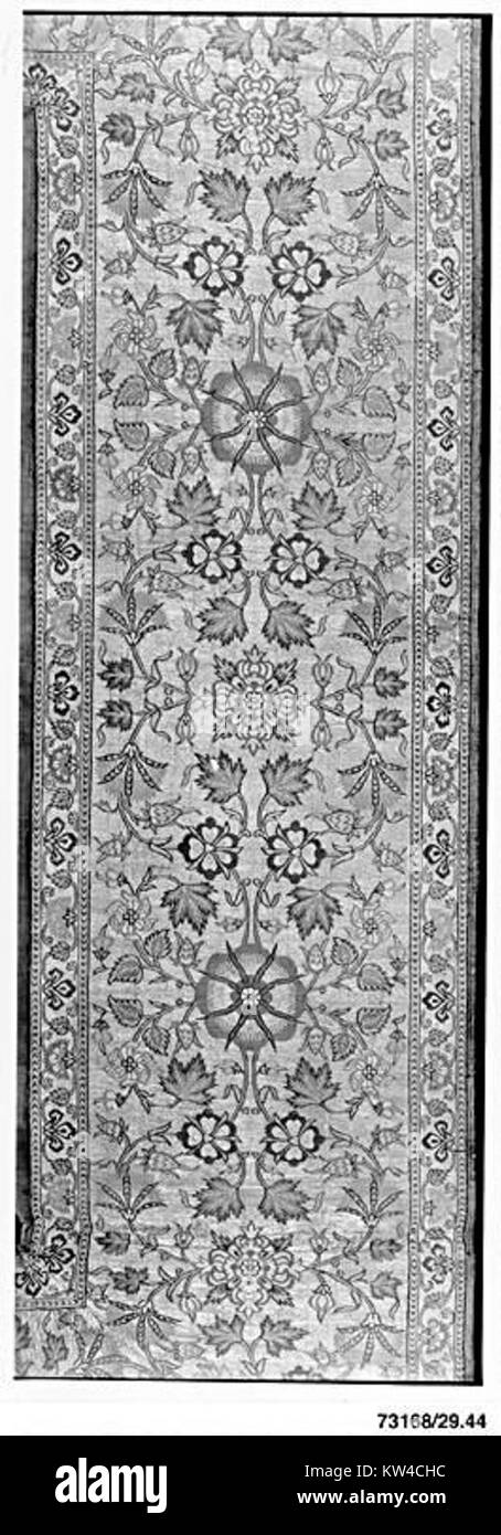 Border of a Luxurious Floor Covering MET 73168 - Stock Image