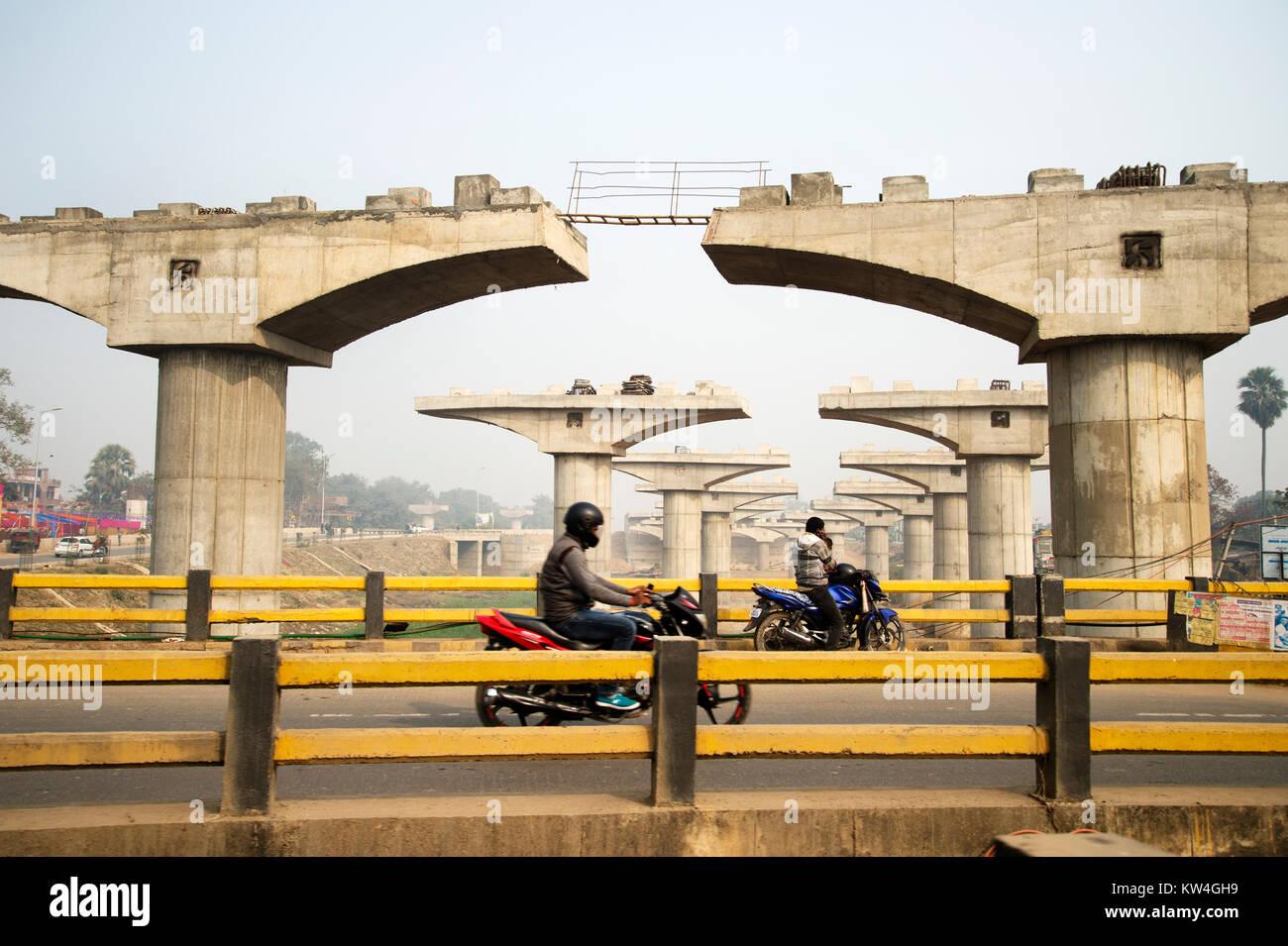 India. Bihar. Flyover construction. - Stock Image