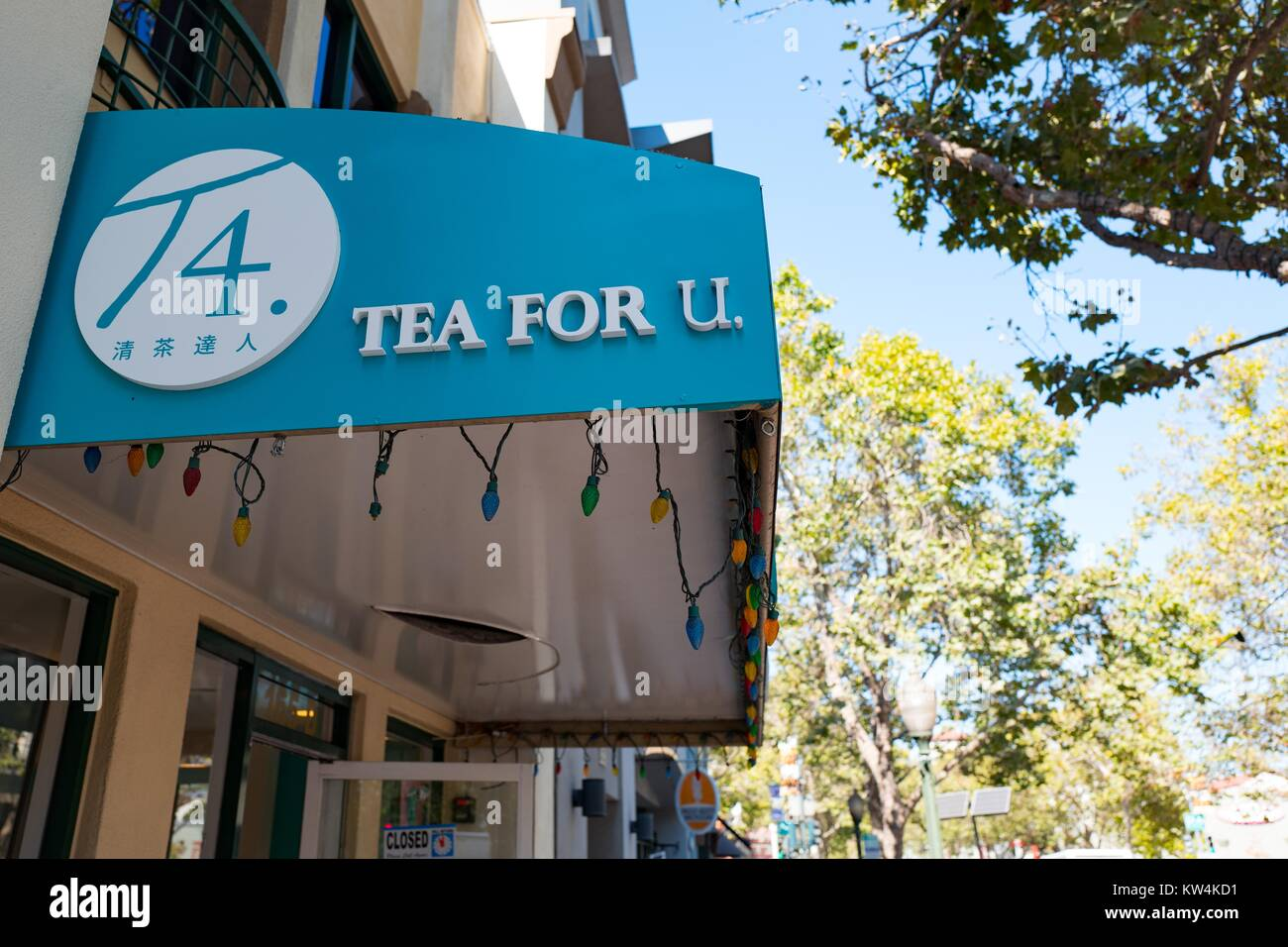 Logo and signage for Tea For U, a Taiwanese boba (bubble) tea cafe on University Avenue in the Silicon Valley town Stock Photo