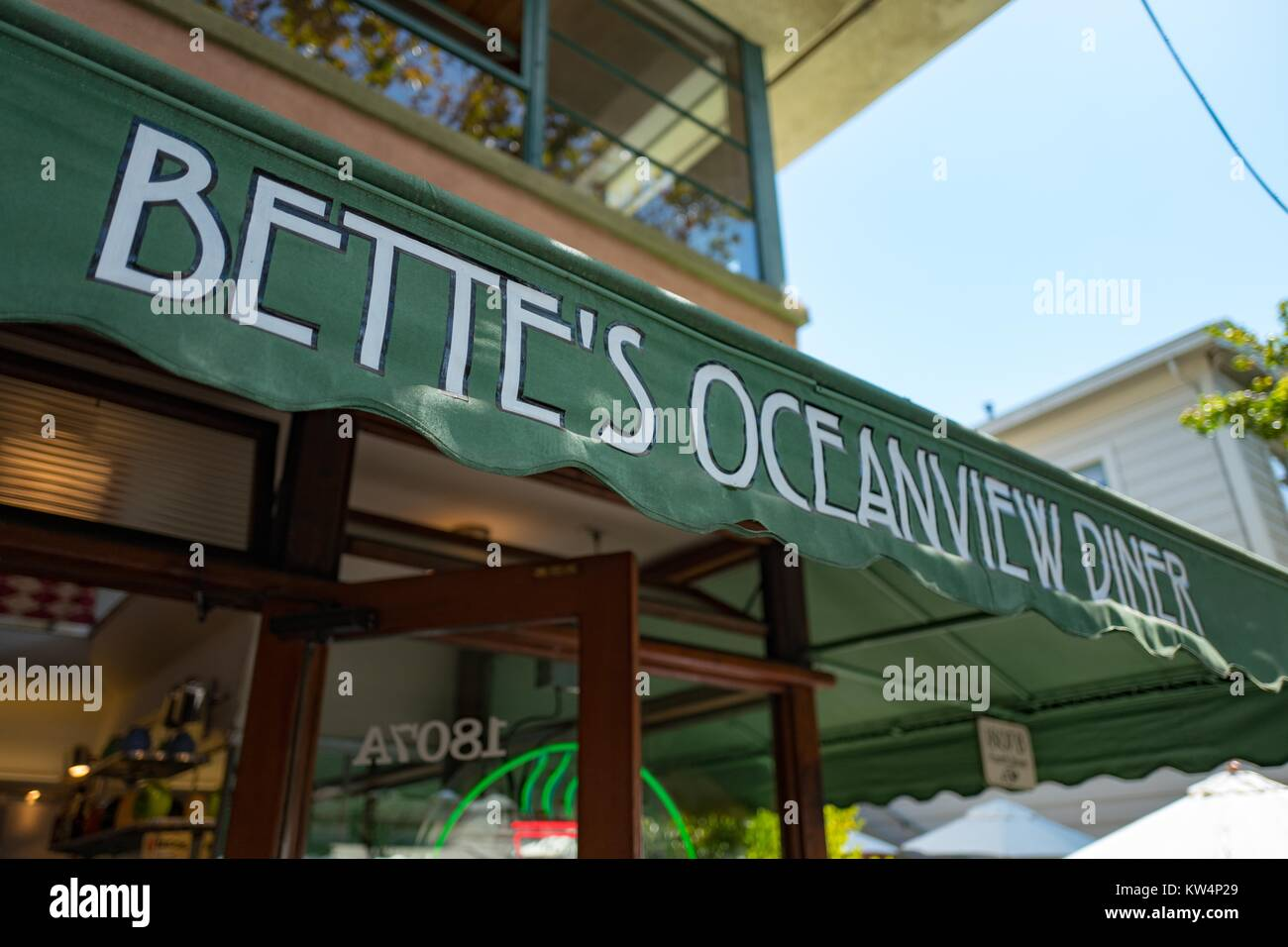The sign and partial exterior of Bette's Oceanview Diner in the Fourth Street shopping district, Berkeley, California, - Stock Image