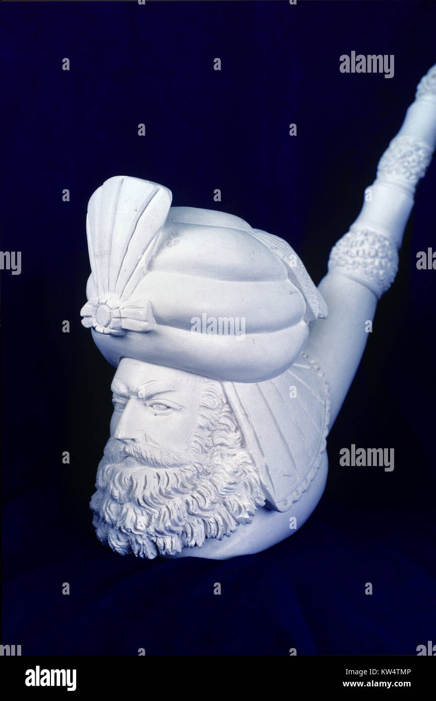 Carved Meerschaum Pipe of Turbaned and Portrait of Bearded Turk, Turkish Man or Pasha, Carved from Soft Sepiolite - Stock Image