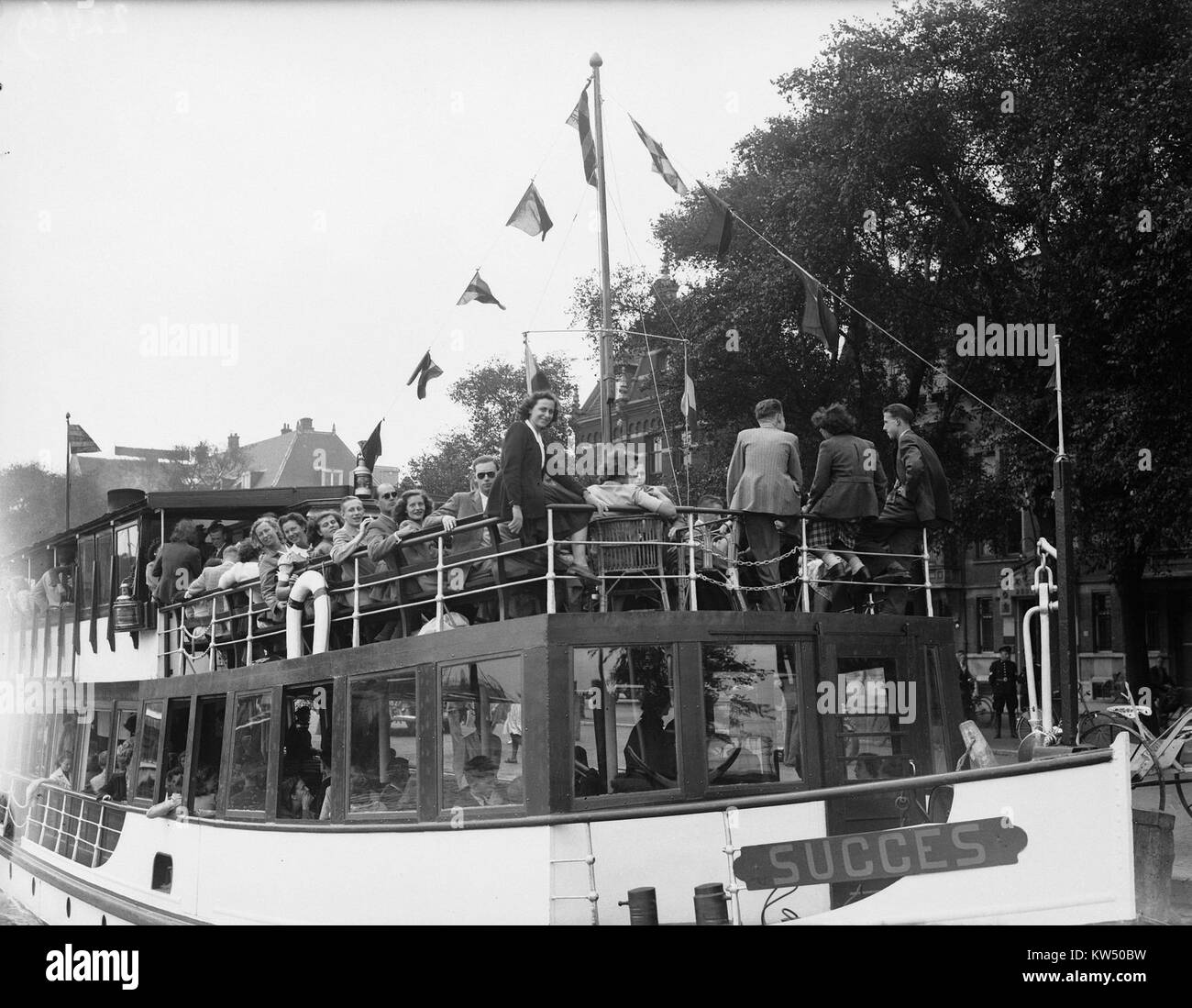 Boottocht Amsterdamse studenten (Lustrum), Bestanddeelnr 902 2469 - Stock Image
