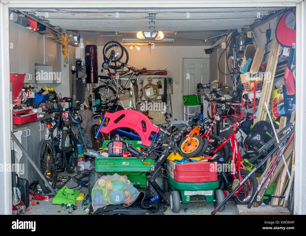 messy garage stock photos messy garage stock images alamy