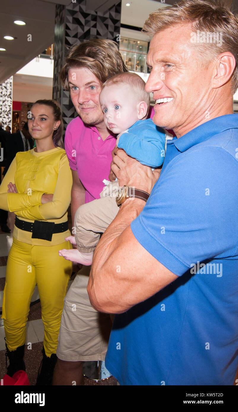 Sydney australia september 09 dolph lundgren doing a meet and sydney australia september 09 dolph lundgren doing a meet and greet with his m4hsunfo