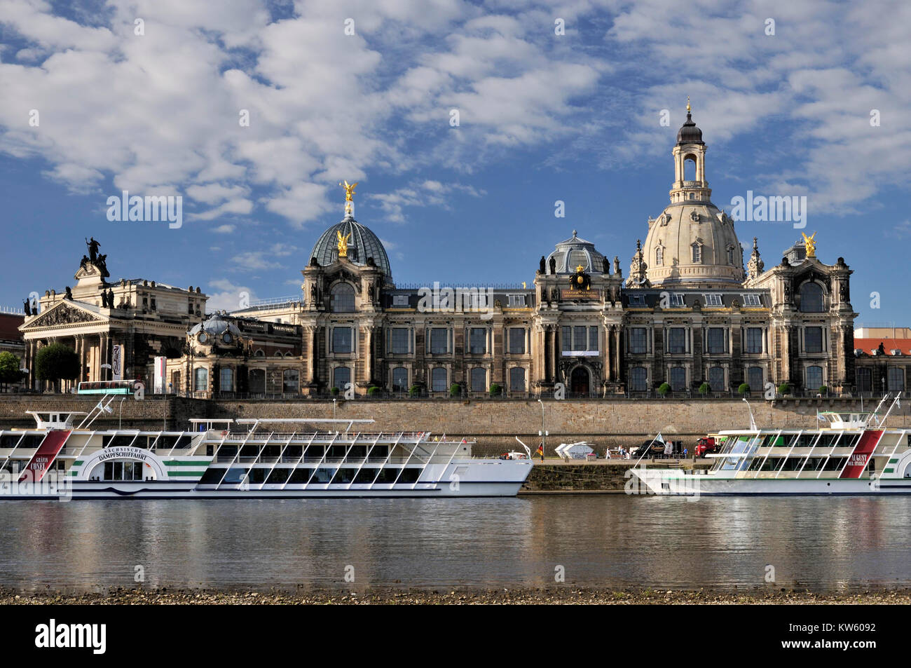 Academy of arts and dome of the Church of Our Lady, Dresden, Kunstakademie und Kuppel der Frauenkirche - Stock Image
