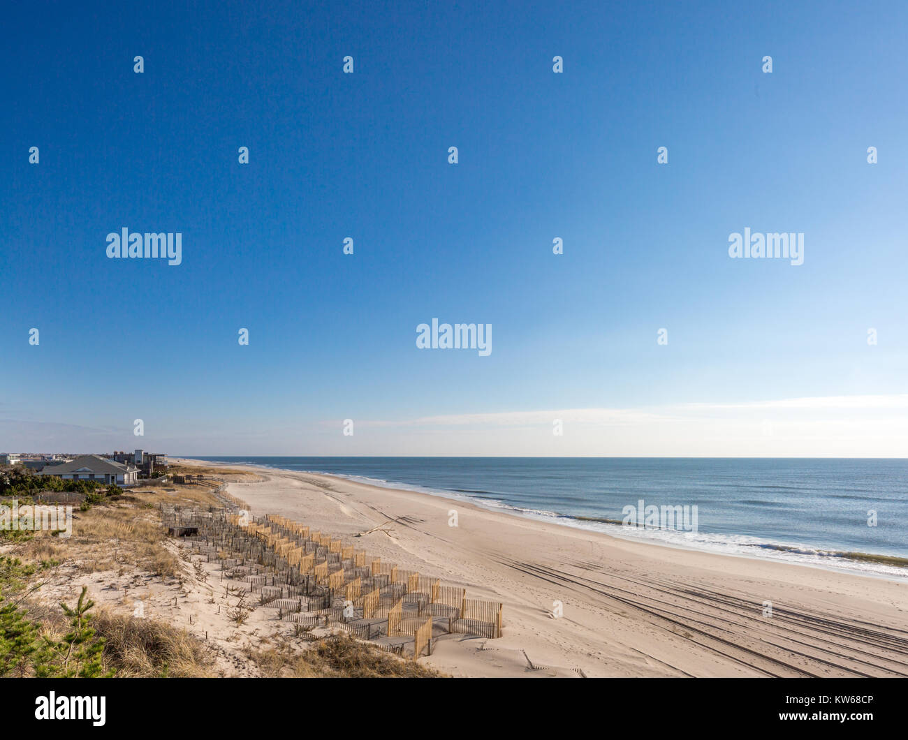 beach fencing on a atlantic beach in the hamptons - Stock Image