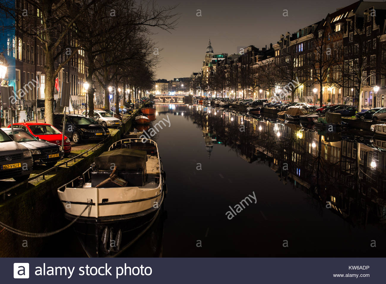 canal scene at night in Amsterdam Holland. - Stock Image