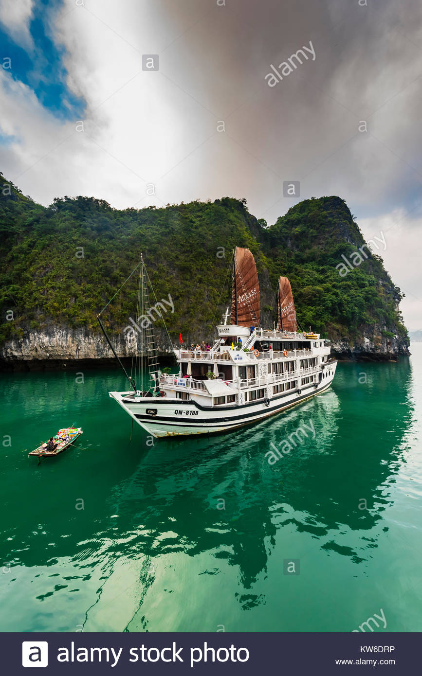 Aclass Cruises Stellar in Halong Bay, North Vietnam. The bay features 3,000  limestone and dolomite karsts and islets - Stock Image