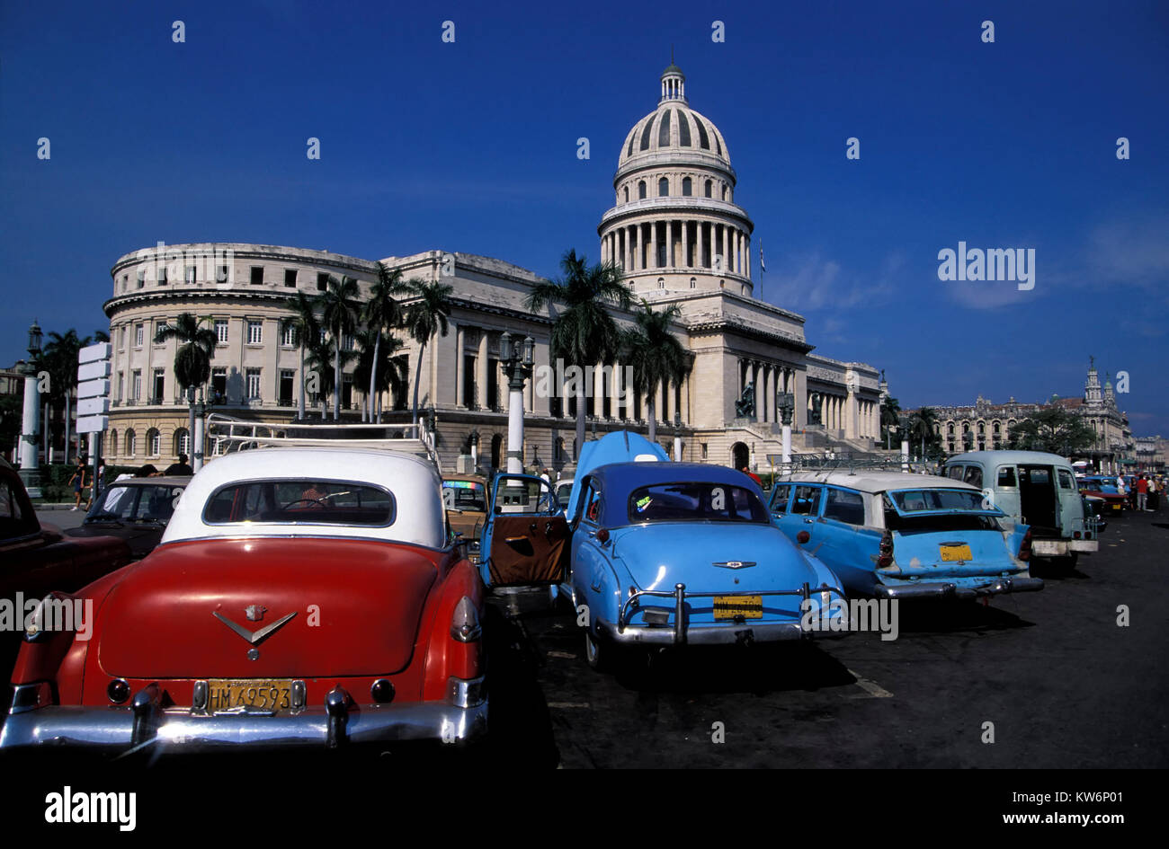 Oldtimer in front of Capitolio, Havanna, Cuba - Stock Image