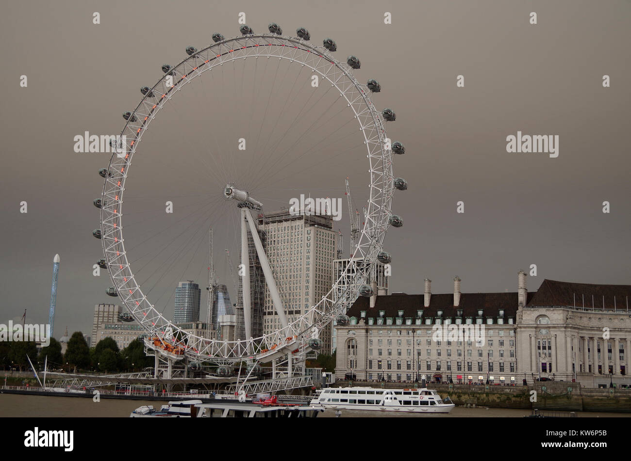 The South Bank, London Eye, GLC Building during the dust storm of October 16th, 2017 - Stock Image