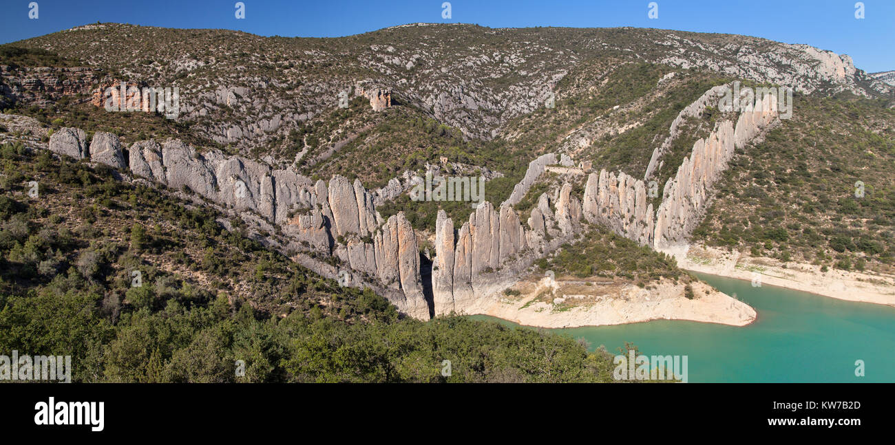 Panorama of the Finestres Wall, Huesca province, Aragon, Spain. - Stock Image