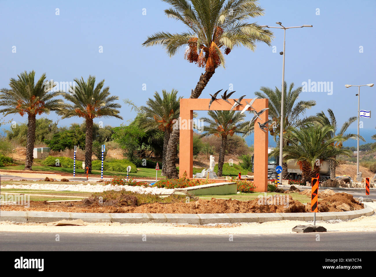ASHKELON, ISRAEL - SEPTEMBER19, 2017: Circular crossroads decorated with swallows in the city of Ashkelon - Stock Image
