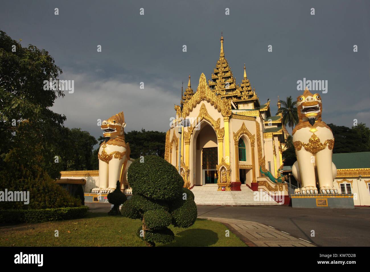 The entrance to the golden buddhist pagoda or stupa of Shwedagon Pagoda,Yangon, Myanmar. Stock Photo