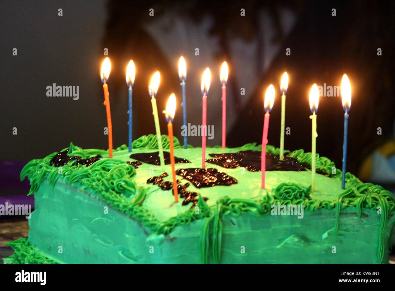 Minecraft themed birthday cake - Stock Image