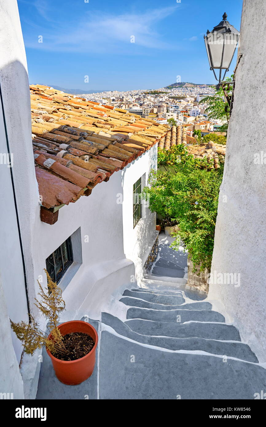 White wall houses in the Anafiotika quarter under the Acropolis, neighborhood of Plaka, Athens, Greece - Stock Image