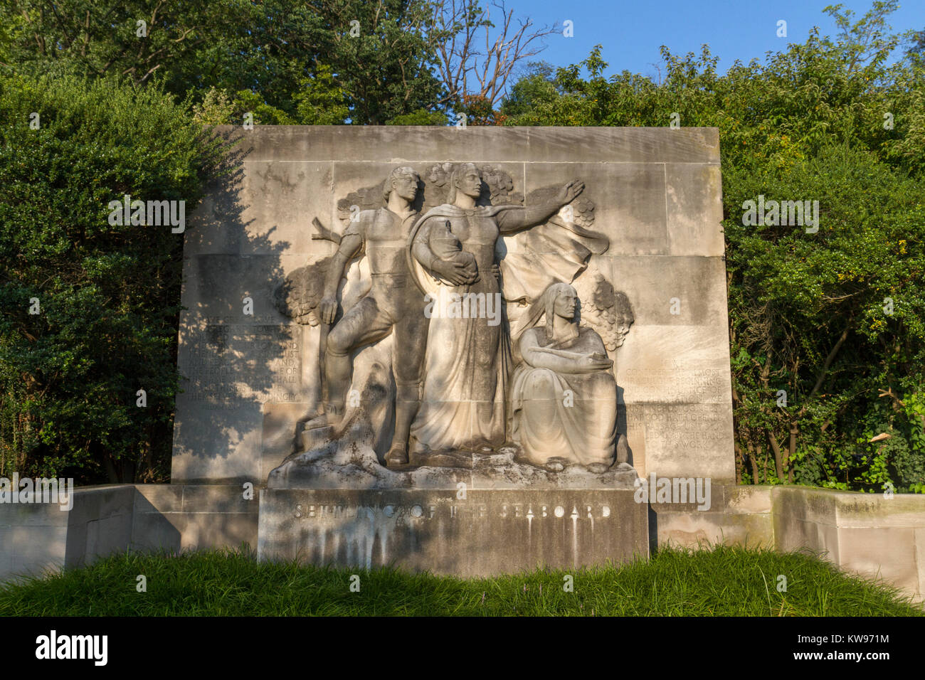 'Settling of the Seaboard' by Wheeler Williams (1942), part of the Ellen Phillips Samuel Memorial, Kelly - Stock Image