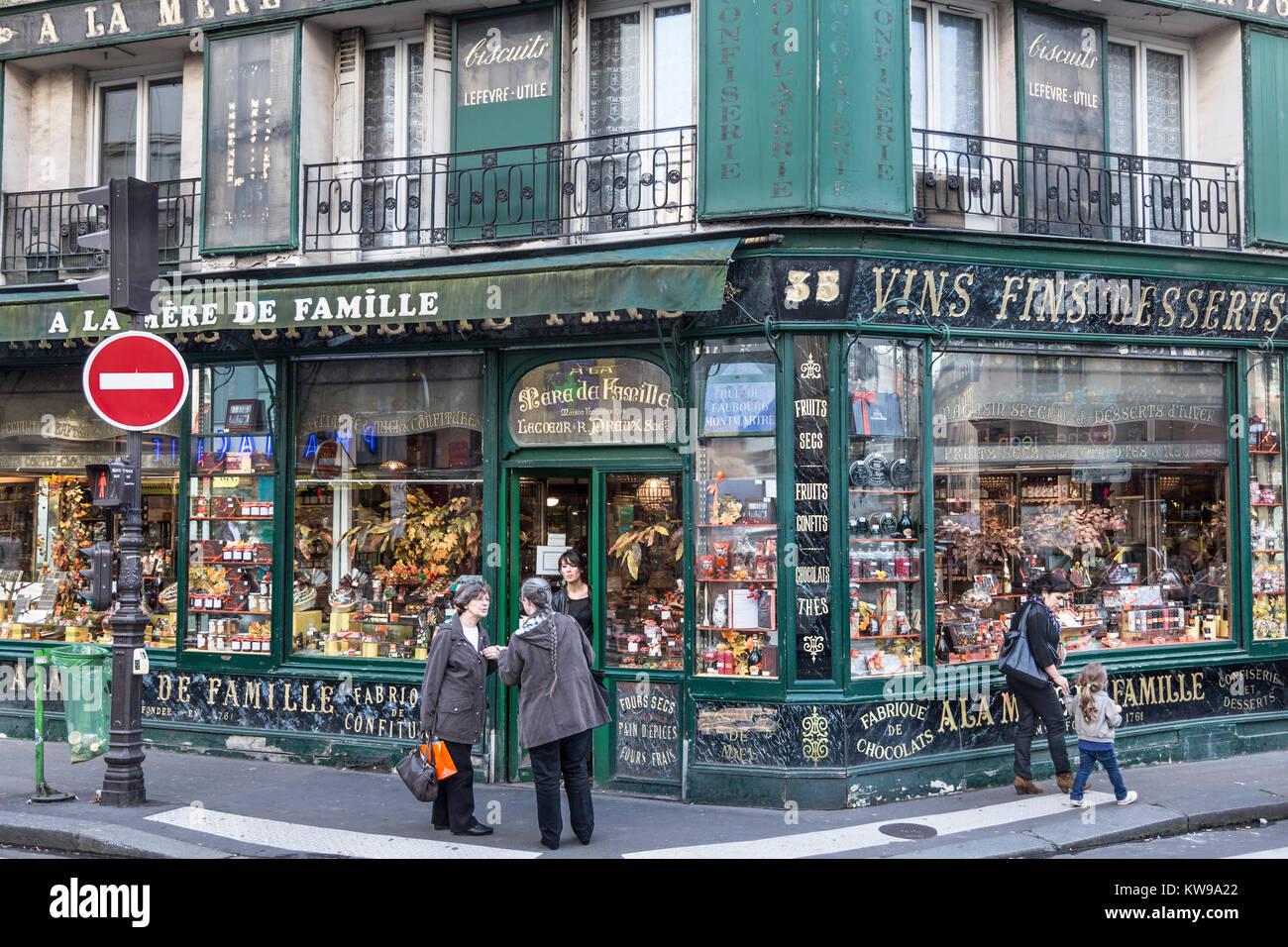 France, Paris (75), A La Mere de Famille, sweets shop. - Stock Image