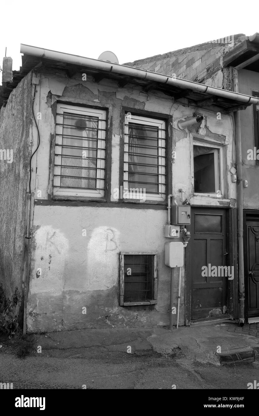 December 2017 - A very old house in the Old Town part of Eskisehir in need of repair. - Stock Image