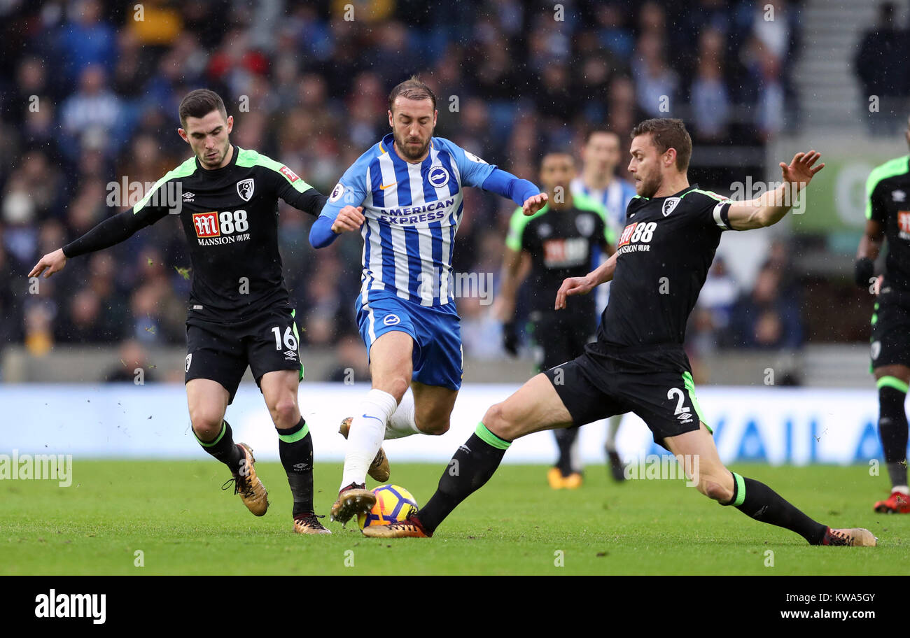 Brighton & Hove Albion's Glenn Murray (centre) battles for the ball with AFC Bournemouth's Simon Francis - Stock Image