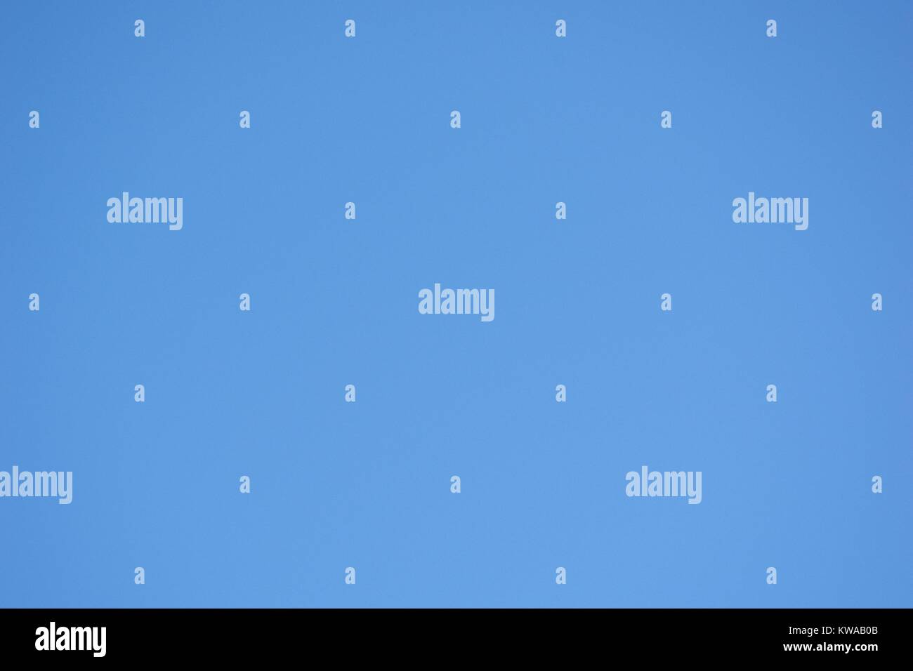 Clear Blue Sky, Natural Background Block Colour. Devon, UK, 2017. - Stock Image