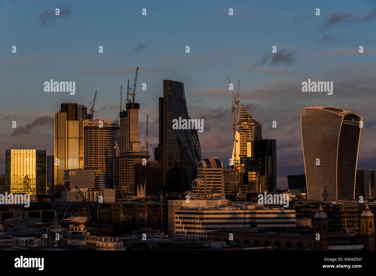 London, UK. 1st Jan, 2018. The first sunset of the new year as seen from the viewing platform - New years day at - Stock Image