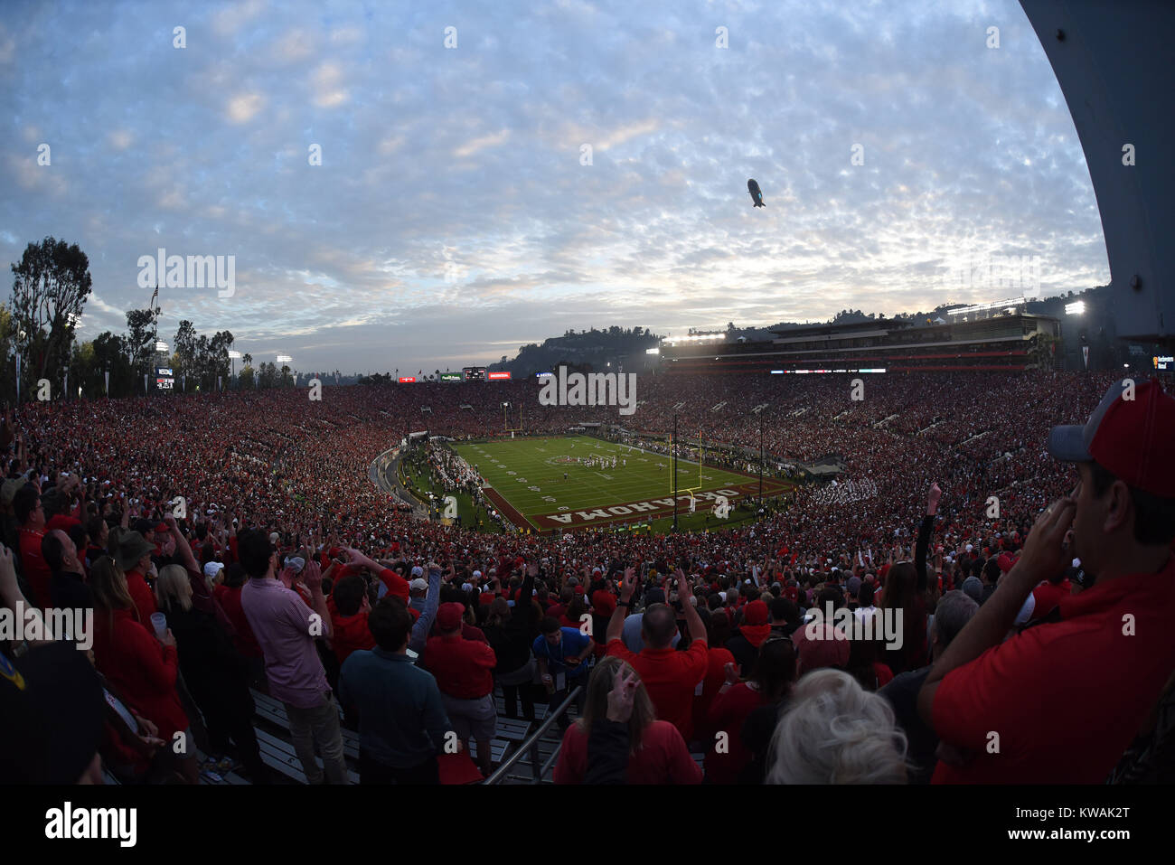 Pasadena, California, USA. 01st Jan, 2018. A wide angle view of the stadium during the 2018 Rose Bowl semi-final Stock Photo