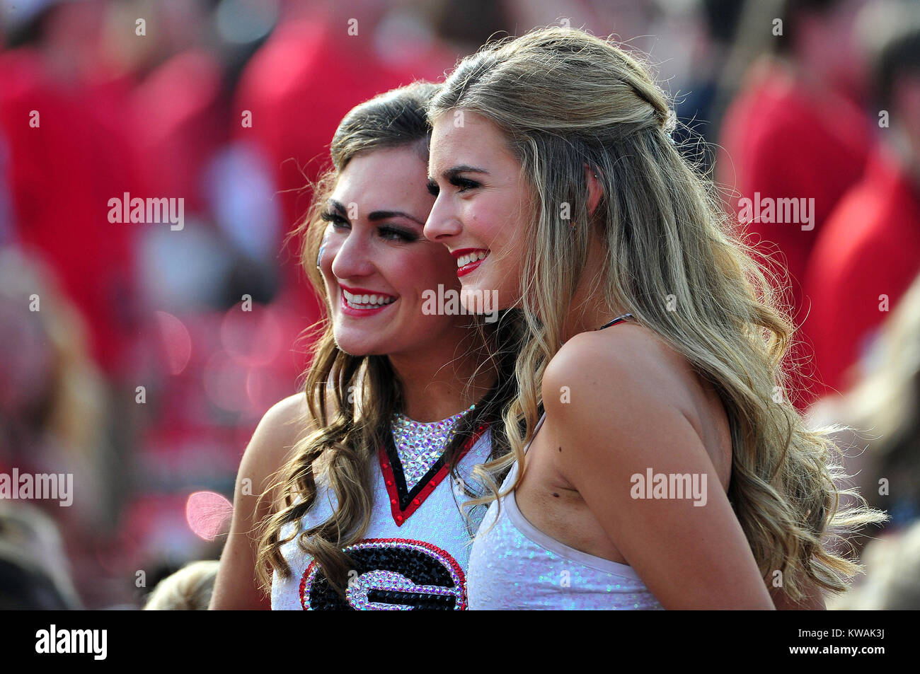 Pasadena, California, USA. 01st Jan, 2018. Georgia Cheerleaders during the 2018 Rose Bowl semi-final game between Stock Photo