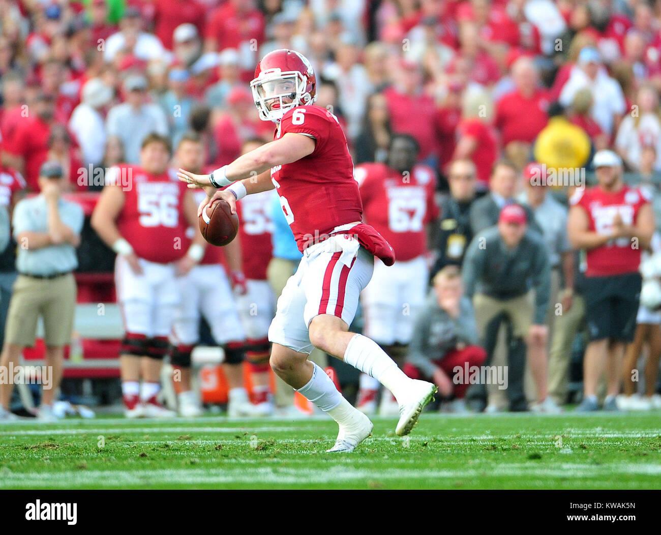 Pasadena, California, USA. 01st Jan, 2018. Oklahoma Sooners quarterback Baker Mayfield #6 during the 2018 Rose Bowl Stock Photo
