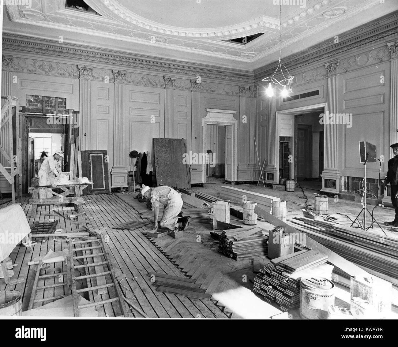 Northeast view of the state dining room during white house stock northeast view of the state dining room during white house stock photo 170500843 alamy dzzzfo
